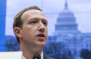 Liberals Demand to #DeleteFacebook After Zuckerberg Met with Conservatives
