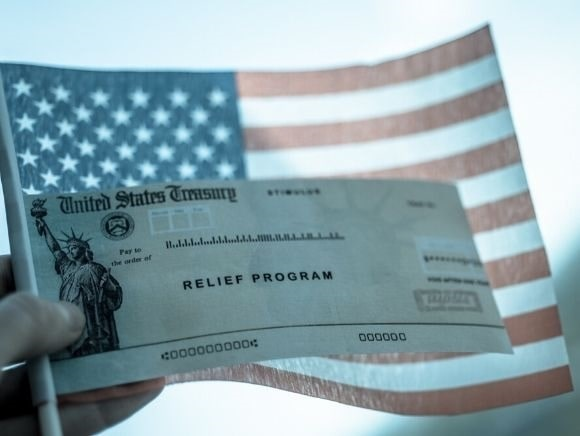 Immigration Roundup: Court Rules Against Relief Pay for Illegal Immigrants